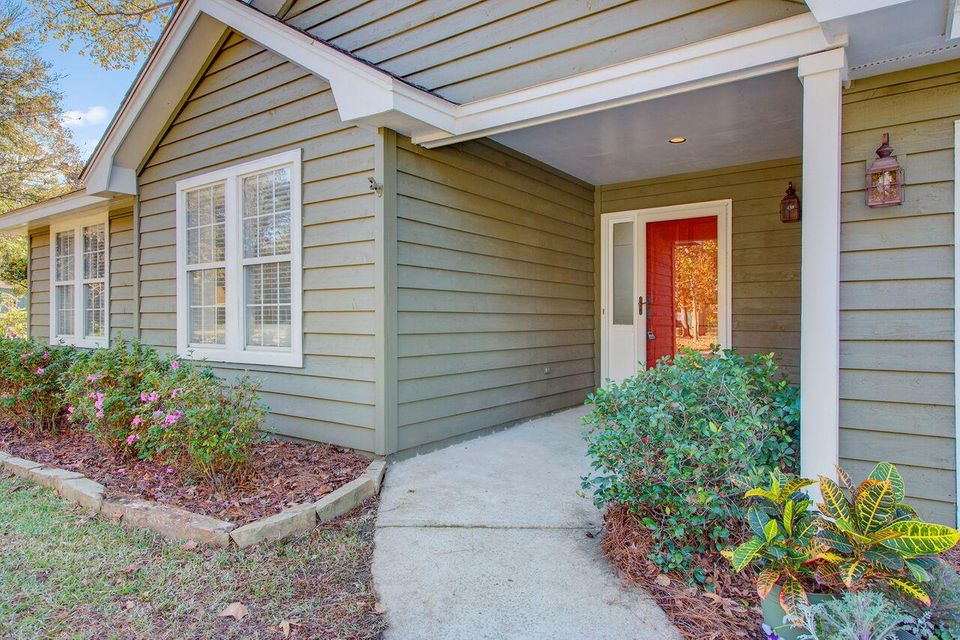 2008 Vestry Drive Charleston, SC 29414