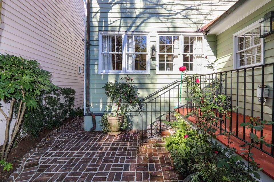 15  Water Street Charleston, SC 29401