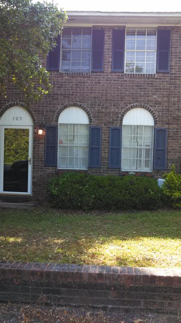 705  Center Street Mount Pleasant, SC 29464