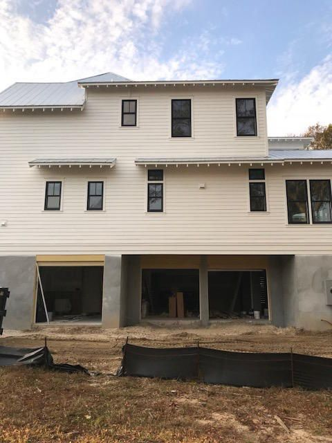 457  Lesesne Street Charleston, SC 29492