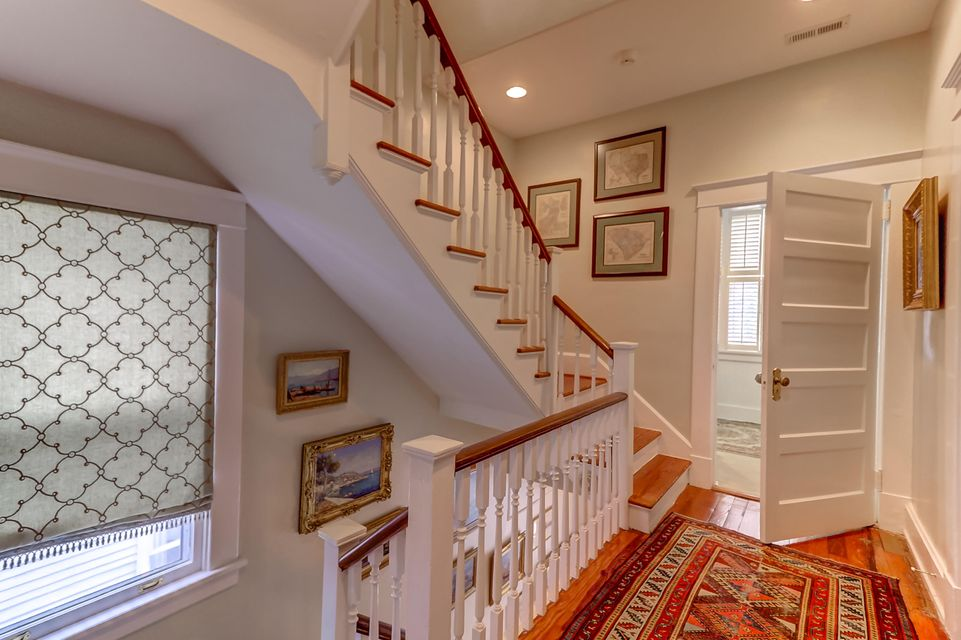 9 Colonial Street Charleston, SC 29401