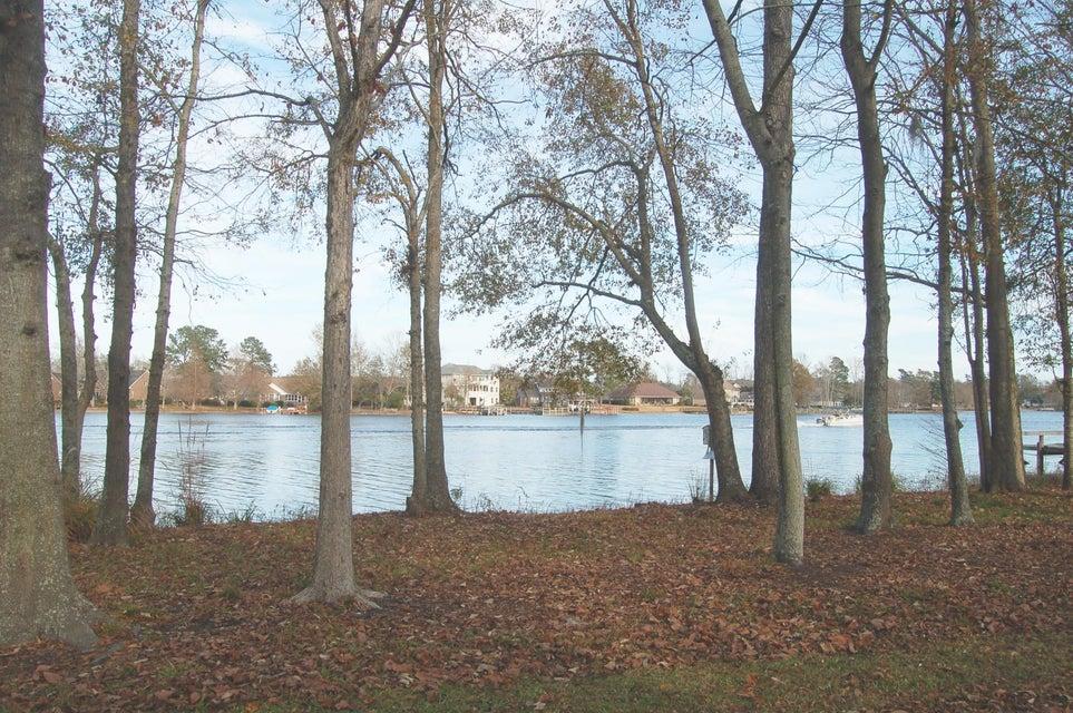8  Wood Lake Drive Manning, SC 29102