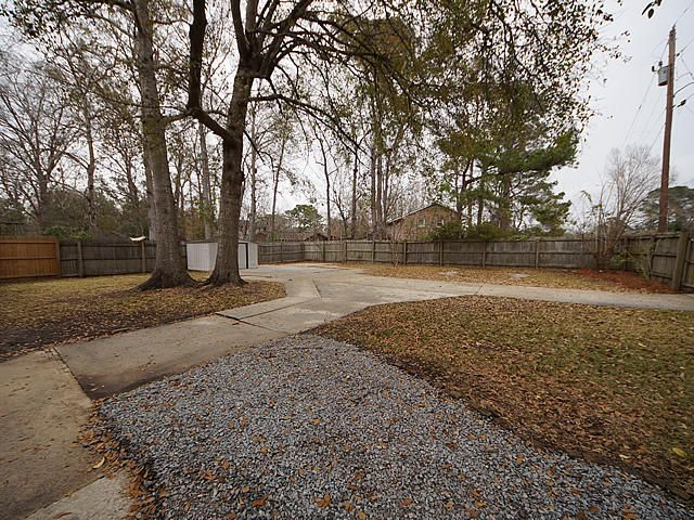 122  Englewood Road Goose Creek, SC 29445