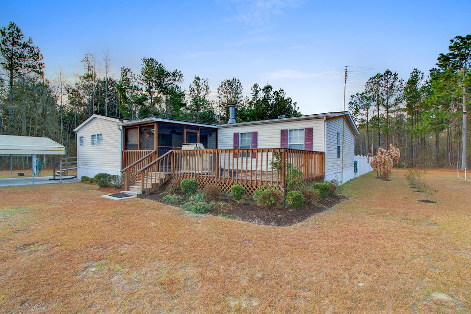 135  Fryes Lane Cross, SC 29436