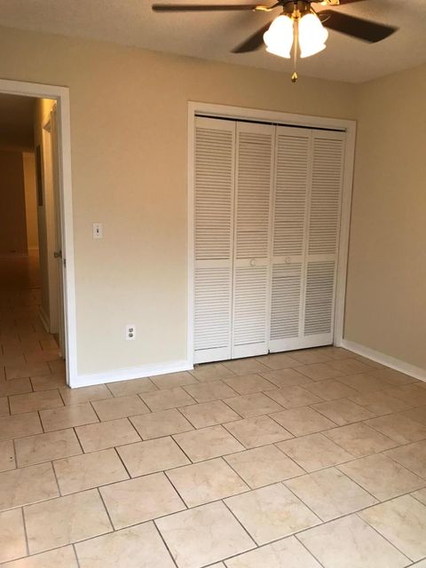 2305  Treescape Drive Charleston, SC 29414