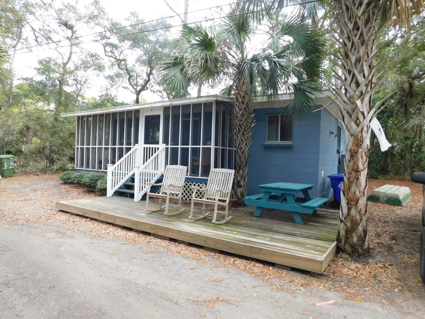2  Red Sunset Ln Folly Beach, SC 29439