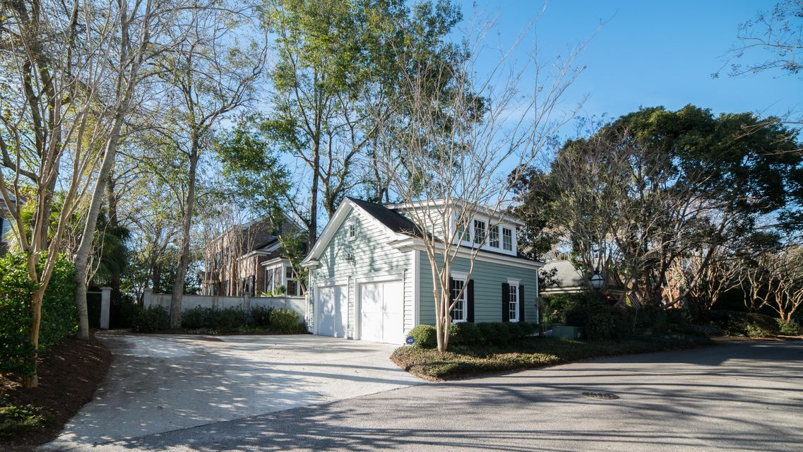 31 Eastlake Road Mount Pleasant, SC 29464