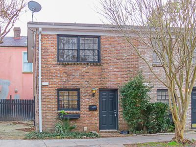 157  Queen Street Charleston, SC 29401