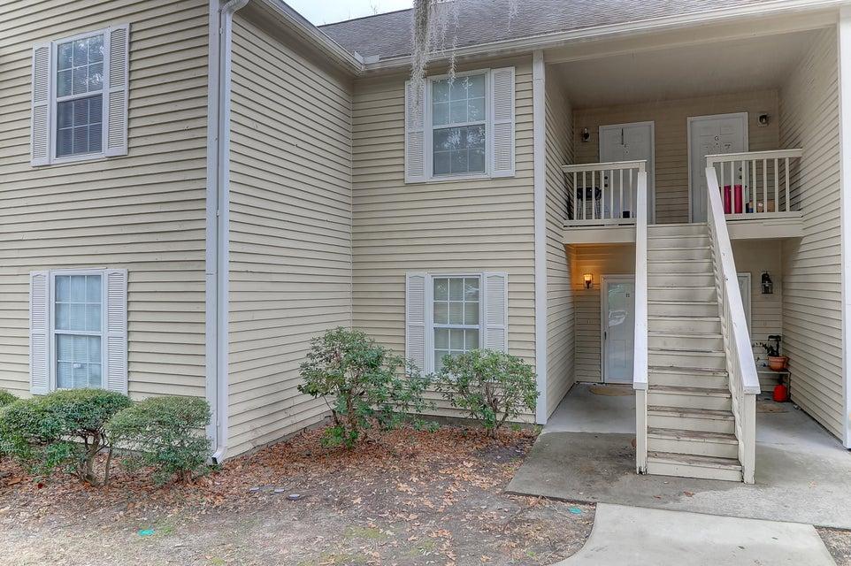 2020 Coldspring Drive North Charleston, SC 29406