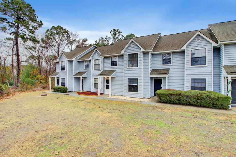1750  Deer Path Mount Pleasant, SC 29464