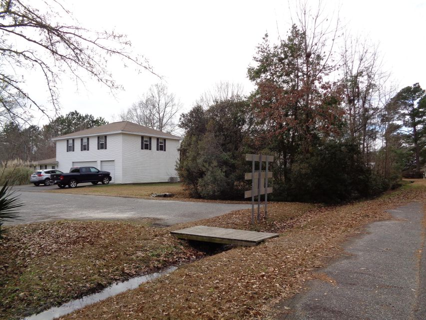 4  Bergen Road Summerville, SC 29483
