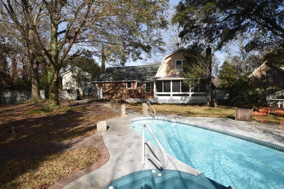 1 Paddlecreek Avenue Charleston, SC 29412
