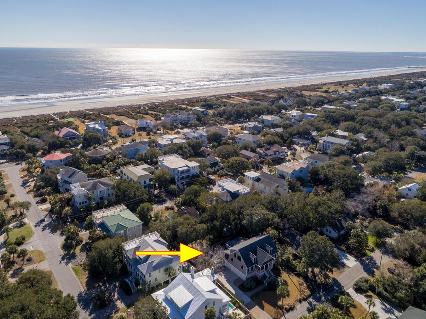 3008  Hartnett Blvd Isle Of Palms, SC 29451