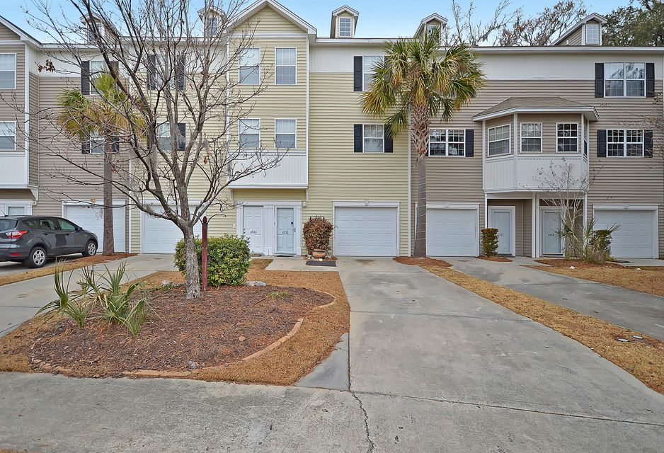 4535  Great Oak Drive North Charleston, SC 29418
