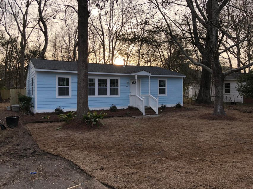 39  Stratton Drive North Charleston, SC 29420