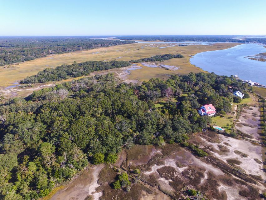 2735 Cherry Point Road Wadmalaw Island, SC 29487