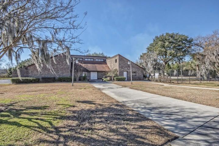 4535 Great Oak Drive North Charleston, SC 29418