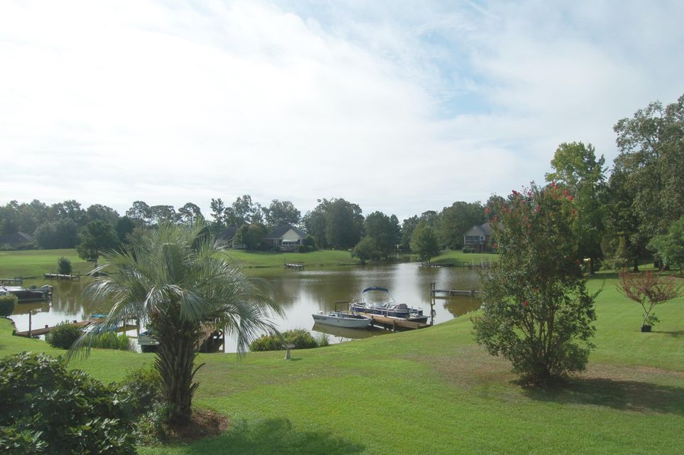 41 N North Lake Circle Manning, SC 29102