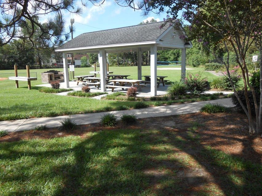 201 Lakeview Drive Summerville, SC 29485