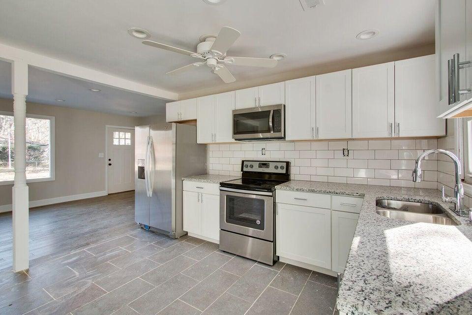 7637 Pinehurst Street Charleston, SC 29420