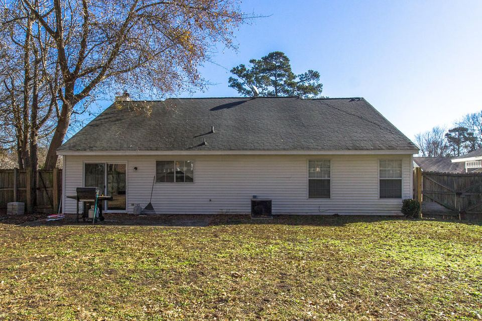 527  Laurel Ridge Rd North Charleston, SC 29418