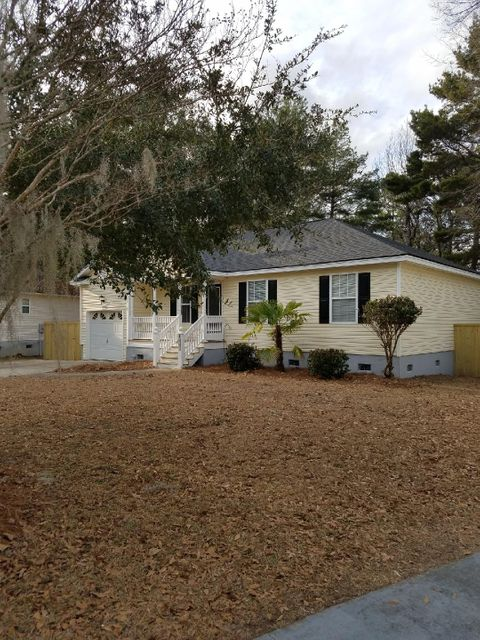 2042  Wadsbury Lane Charleston, SC 29414