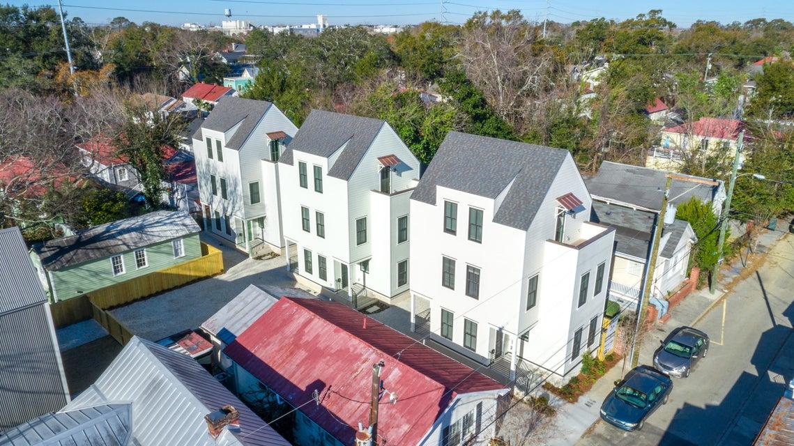 3 1/2  Maranda Holmes Street Charleston, SC 29403