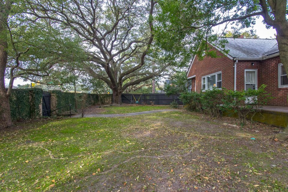 717 Woodward Road Charleston, SC 29407