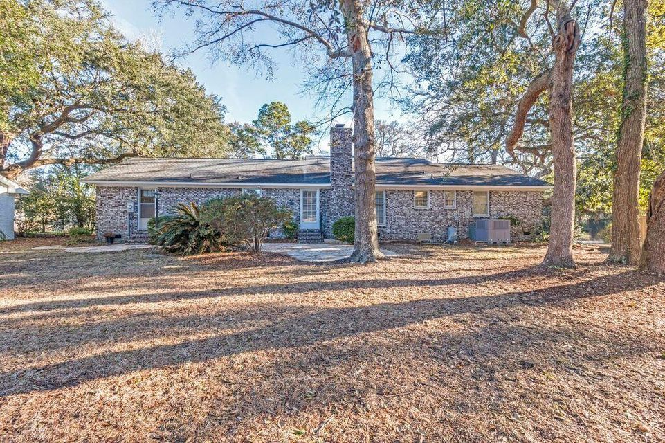 663  Pawley Road Mount Pleasant, SC 29464