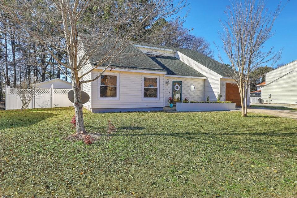 124  Trestlewood Drive Summerville, SC 29483