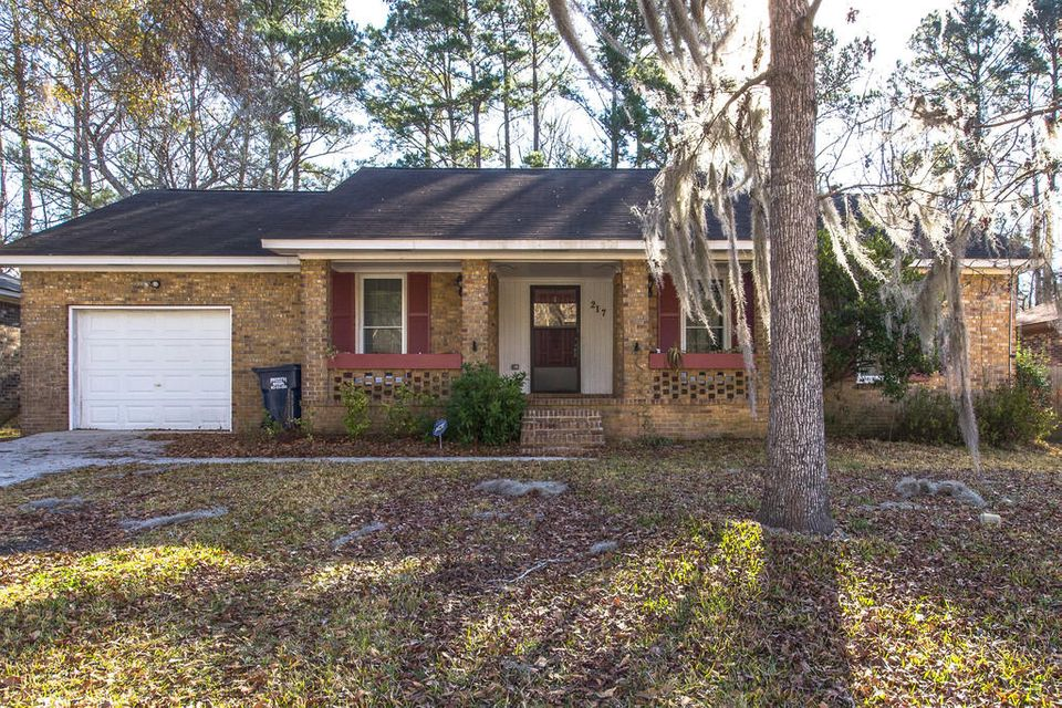 217  Beverly Dr Ladson, SC 29456