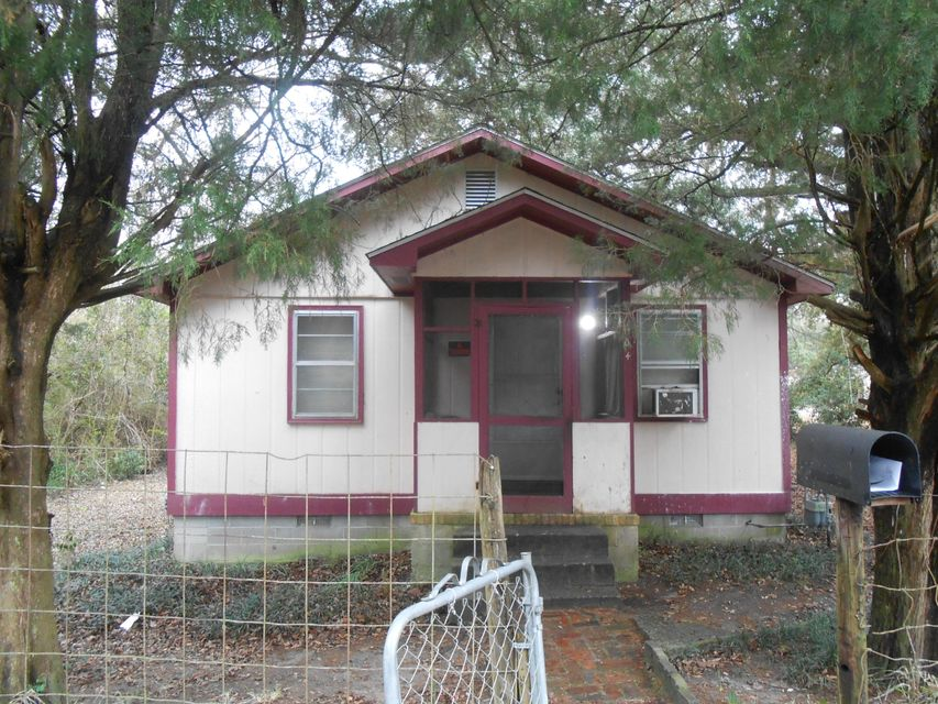 1104 Carn Street Walterboro, SC 29488