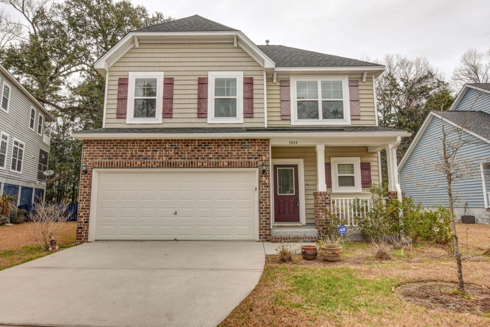 1924  Chestnut Oak Lane Charleston, SC 29414