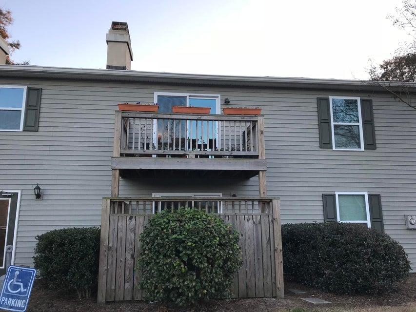 1402  Camp Rd Charleston, SC 29412
