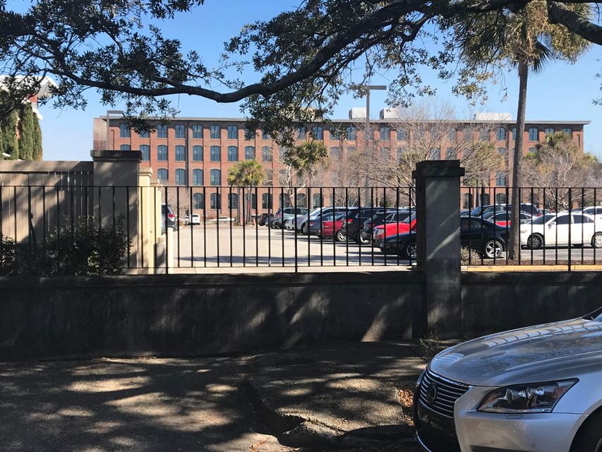 83  America Street Charleston, SC 29403