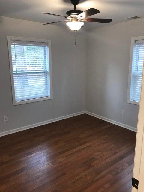 7614 E Oakridge Circle North Charleston, SC 29420