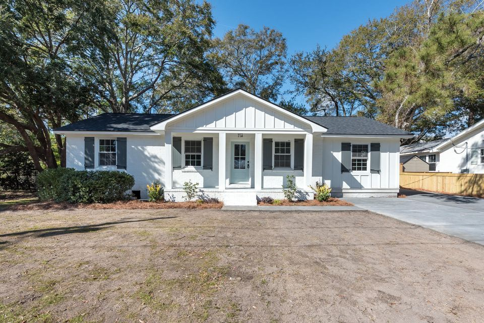 714  Cherry Street Mount Pleasant, SC 29464