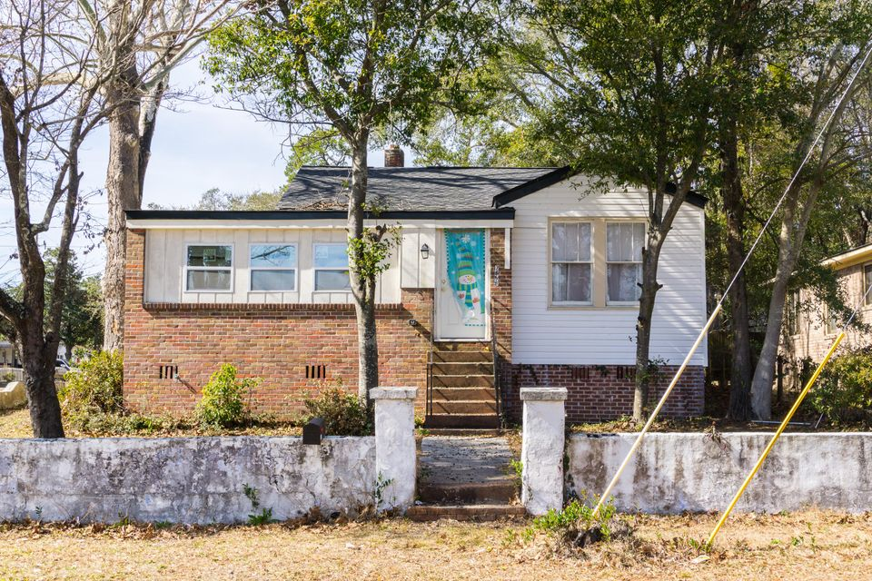 2658 Woodlawn Avenue North Charleston, SC 29405