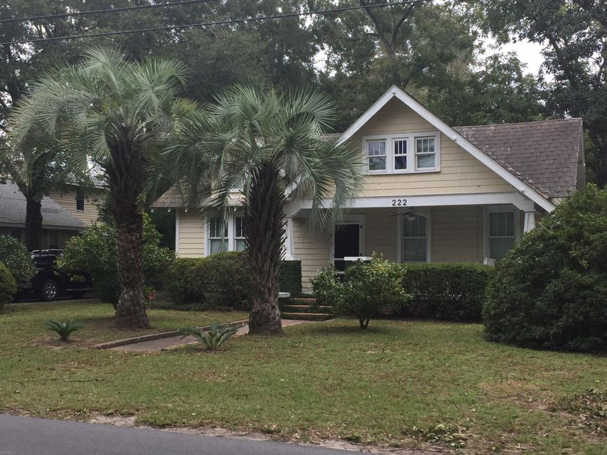 222 Woodland Shores Charleston, SC 29412