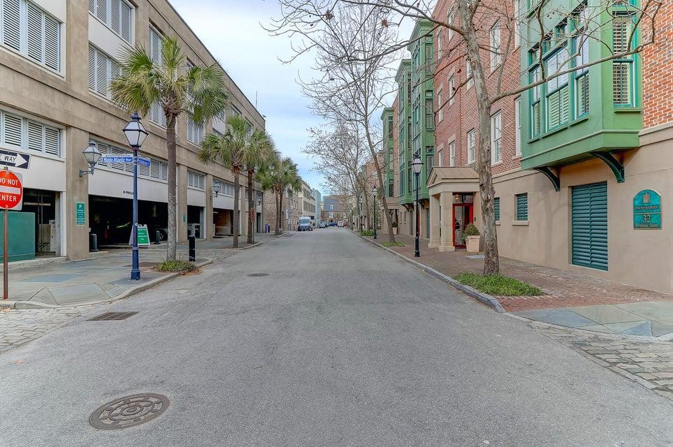 2 1/2 Gillon Charleston, SC 29401