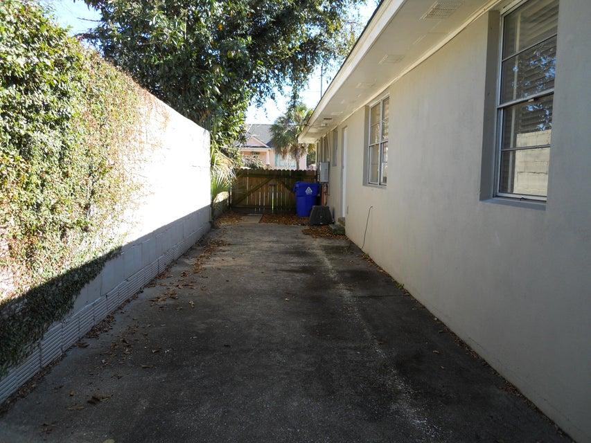 17 Clemson Street Charleston, SC 29403