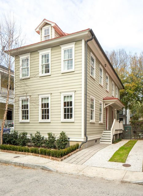 15  Radcliffe Place Charleston, SC 29403