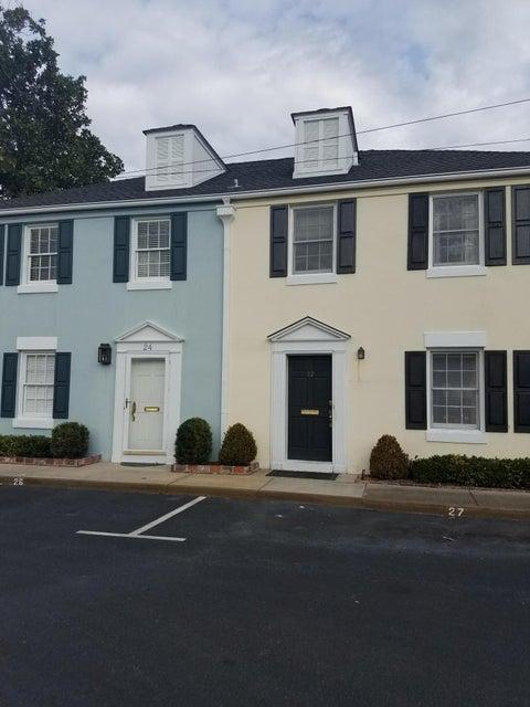 22  Charlestowne Court Charleston, SC 29401