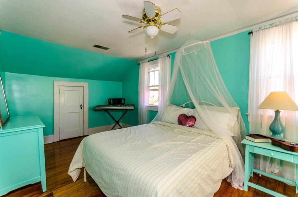 229  Grove Street Charleston, SC 29403