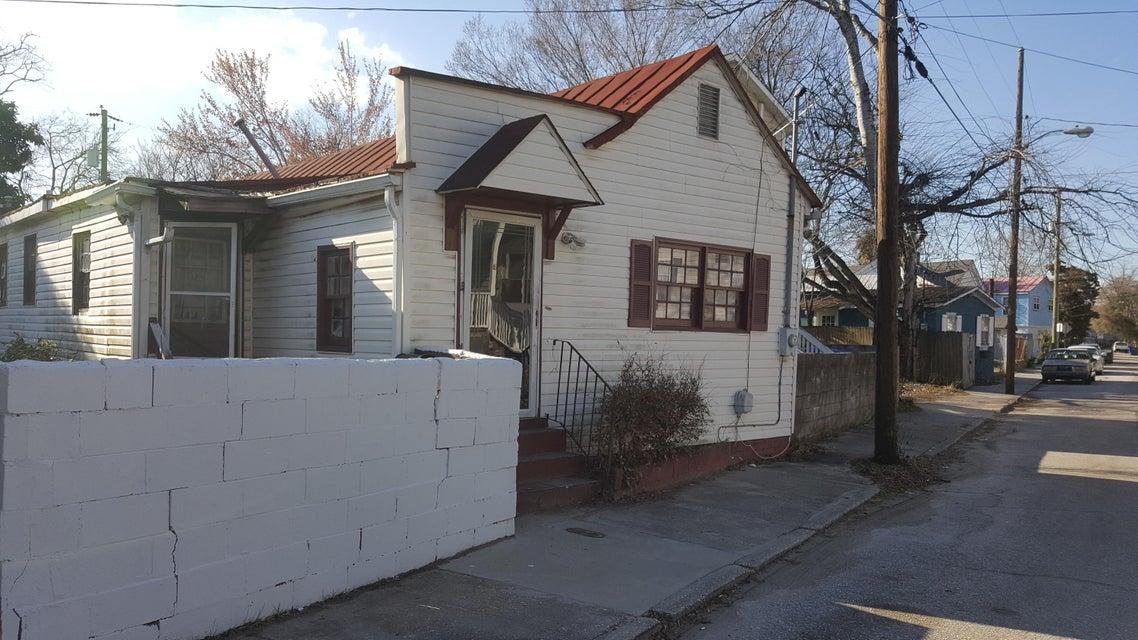 9 1/2 F Street Charleston, SC 29403