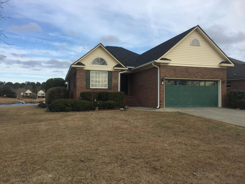 8 Ridge Lake Drive Manning, SC 29102