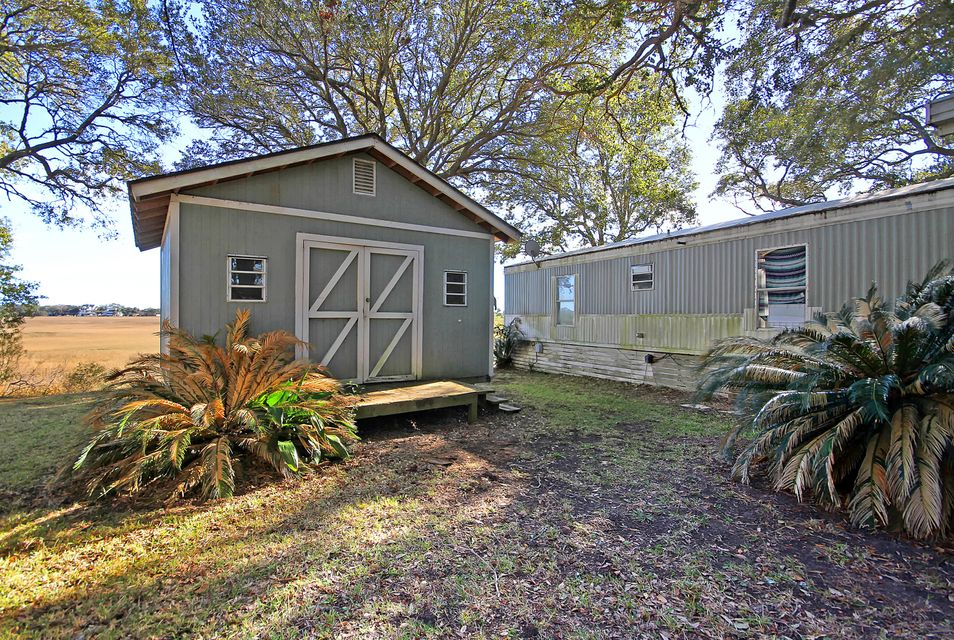 2028 Covey Lane Charleston, SC 29412