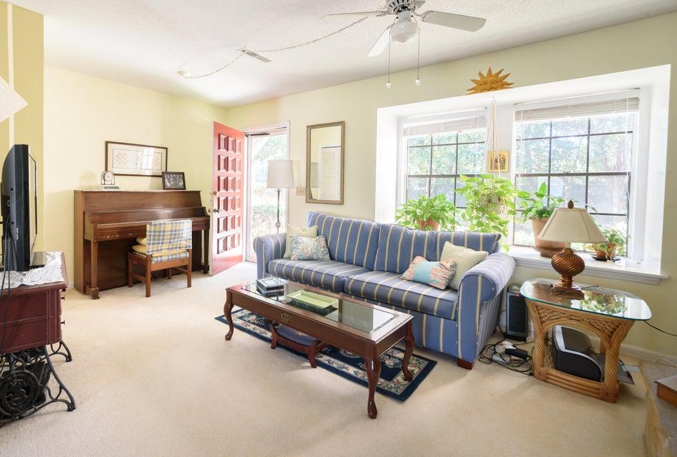 2935 Cathedral Lane Charleston, SC 29414