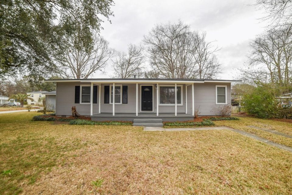 1849  Manigault Place Charleston, SC 29407