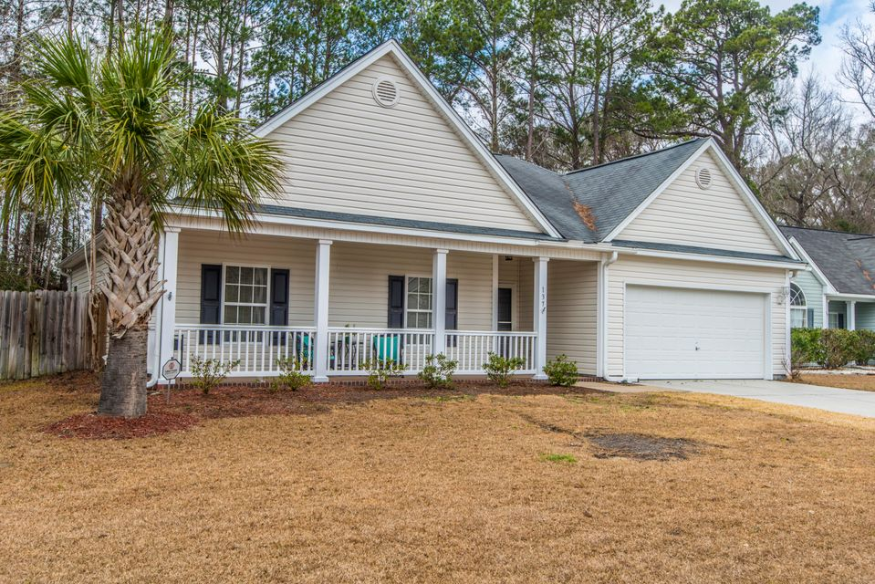 137 Highwoods Plantation Avenue Summerville, SC 29485